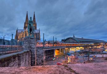 Fototapete - Kölner Dom, Hauptbahnhof von Köln