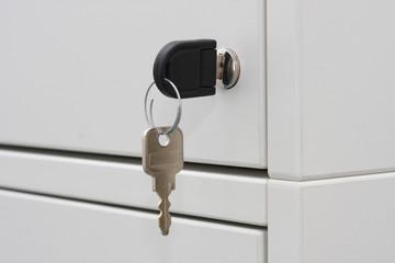 Schlüssel am Büroschrank