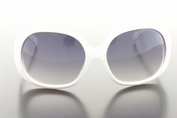 Lunettes de soleil blanches