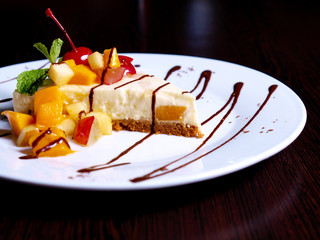 Fruity Cheescake delight with choco