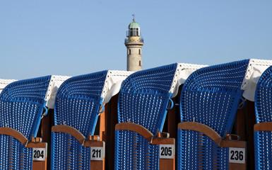 Fototapete - Strandkorb am Strand von Warnemünde (Mecklenburg-Vorpommern) 03