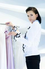 Frau beim Shopping.
