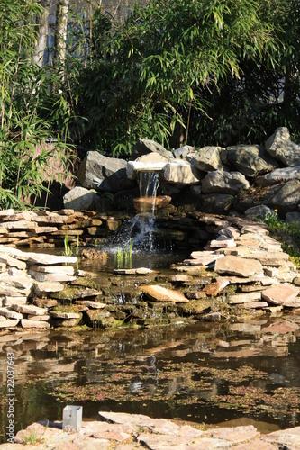 Cascade et bassin aquatique photo libre de droits sur la banque d - Photo bassin aquatique ...
