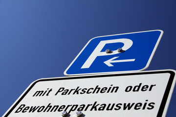parkhinweisschild