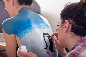 body-painting on girl's back (1)