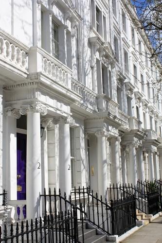 wei e h user in london stockfotos und lizenzfreie bilder auf bild 22206831. Black Bedroom Furniture Sets. Home Design Ideas