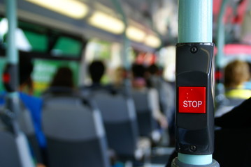 Papiers peints Rouge, noir, blanc Bus stop button