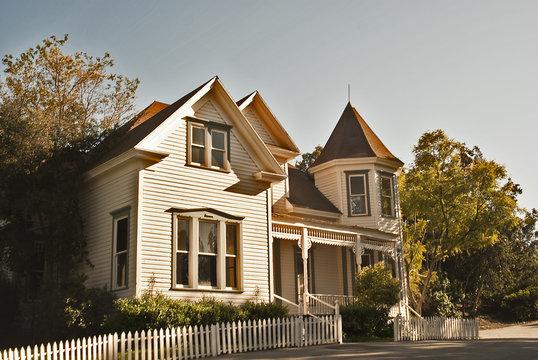 suburbia victorian house