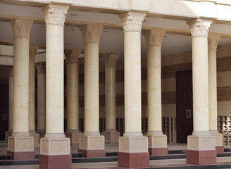 A network of pillars