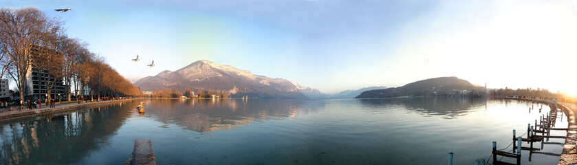 Panoramique lac annecy sunset