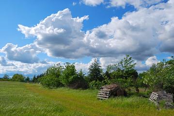 Cloudy blu 3