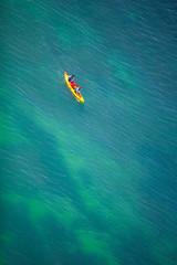 2 personnes dans un kayak