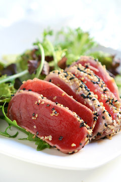 Seared Tuna Salad