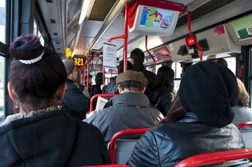 viaggiatori in autobus