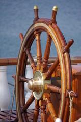 roue de barre de gouvernail en bois