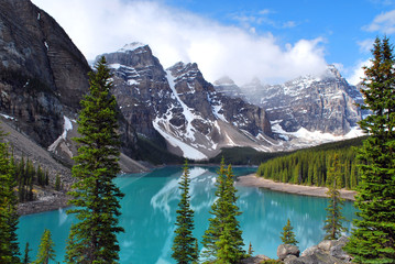 Tuinposter Canada Moraine Lake in Banff National Park, Alberta, Canada