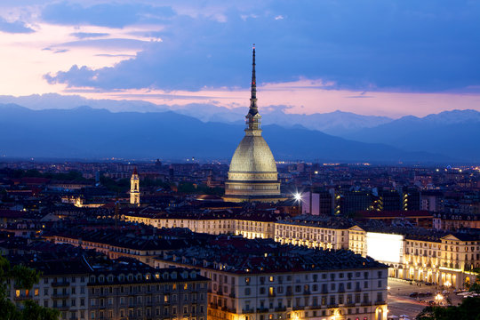 Mole Antonelliana di notte, Torino (Piemonte), Italia