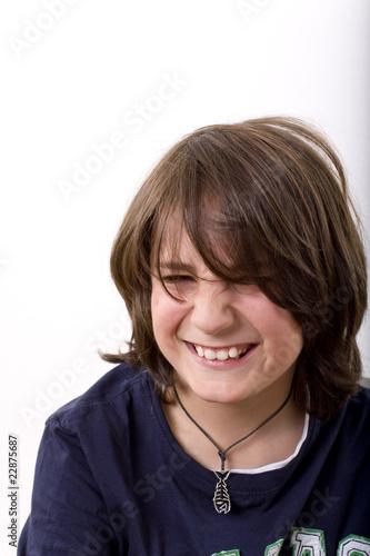 Fröhlicher Junge Mit Langen Haaren Stockfotos Und Lizenzfreie