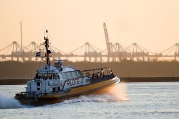 Pilot-boat full speed ahead