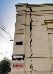 edificio agrietado por terremoto Chile 2010