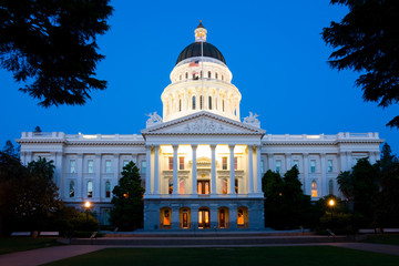 Capitol Building in Sacramento at night