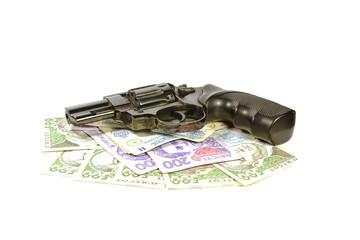 Револьвер на деньгах