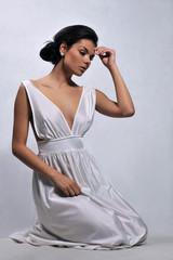 dziewczyna w eleganckiej bieliźnie