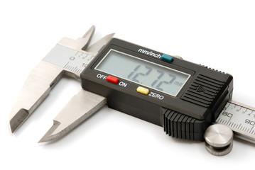 Electronic digital caliper