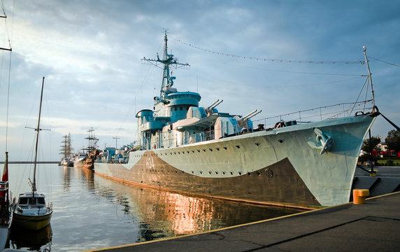 Destroyer Ship - II World War