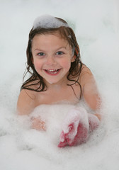 petite fille bain