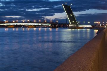 Russia, St. Petersburg. litejnyj Bridge in a white night