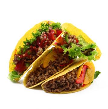 tacos con carne insalata e peperoni