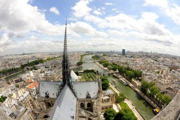 Vue de Paris depuis la cathédrale notre dame de Paris