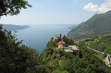 Fotobehang Chocoladebruin Kloster am Gardasee