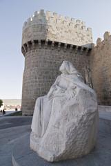 Estátua de Santa Teresa de Jesús en Avila.
