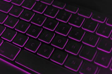 Keyboard_dark_violett