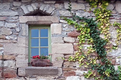 Vieille fen tre photo libre de droits sur la banque d for Decoration vieille fenetre