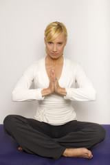 Medi-Yoga-01