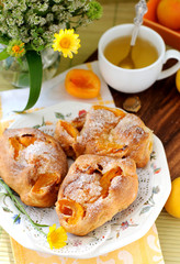 Apricot buns
