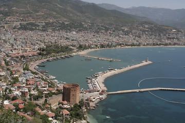 Hafen und roter Turm von Alanya