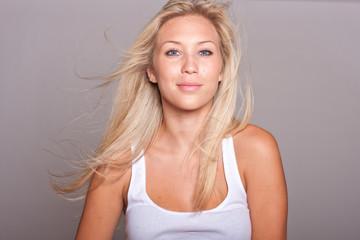 Photos illustrations et vid os de femme blonde - Femme blonde photo ...