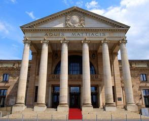 Portal des Kurhauses in Wiesbaden