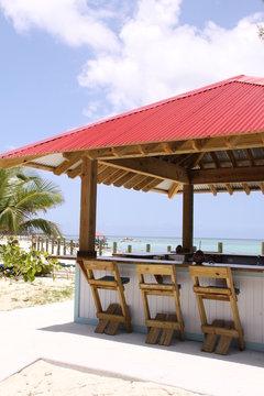 Schöne Strandbar auf den Bahamas in Nahaufnahme