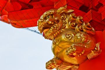 金色の獅子