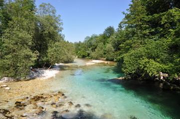 Rio del Parque Nacional de Triglav, Eslovenia.