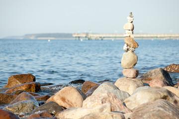 Steinsäule am Ostseestrand von Heiligendamm