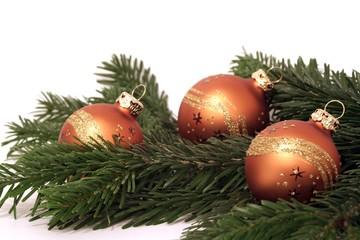 Weihnachtsdeko mit Tannenzweigen