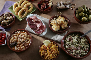 variedad de tapas españolas