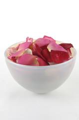 Fotobehang Spa Bowl of rose petals