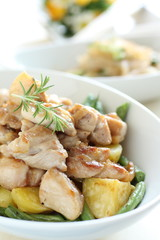 Chicken and potato's herb sauteed